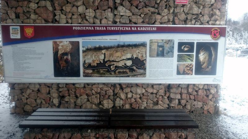 Jaskinie Kadzielnia Tablica Informacyjna