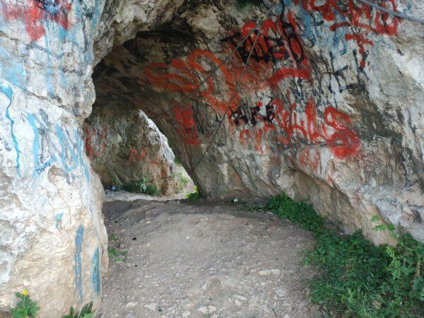 Jaskinia Skalka Geologow